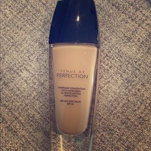 ♥️ Guerlain foundation Ultimate Lasting ♥️